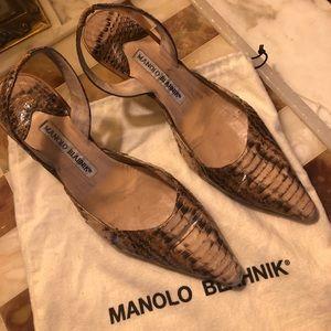 Vintage Manolo Blahnik Alligator Slingback Pumps
